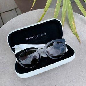 Marc Jacobs Round Black Sunglasses 🕶